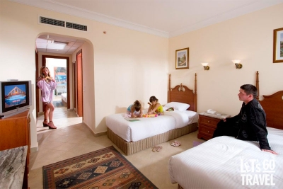 TITANIC BEACH SPA & AQUAPARK 5*