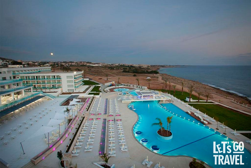 KING EVELTHON BEACH HOTEL 5*