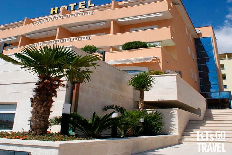 ROSINA HOTEL 4*